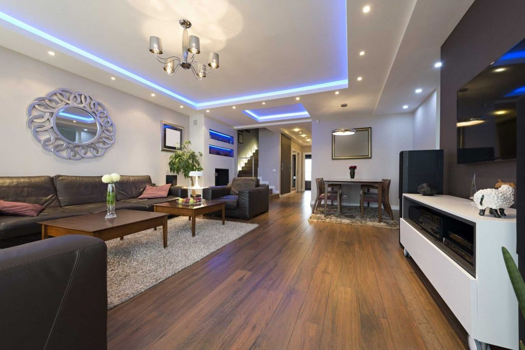 Maison de luxe avec éclairage moderne